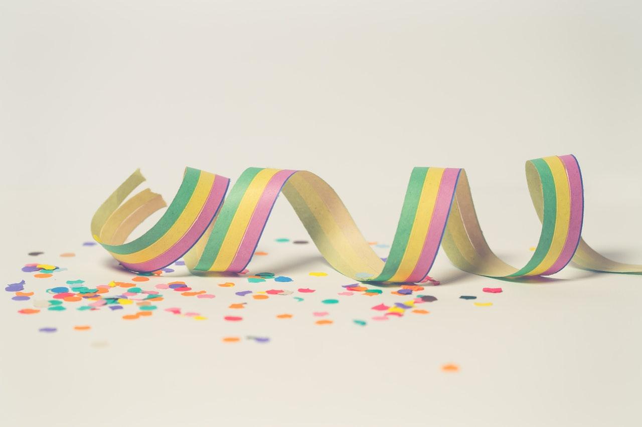 Girlang konfetti färger